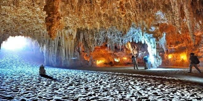 Gara cave & camping in Wihte desert